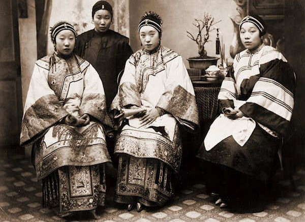 traditional chinese women